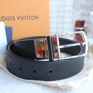 Louis Vuitton 路易·威登黑皮棋盘方扣双面用皮带