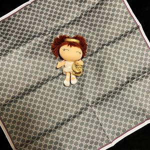 Celine 赛琳凯旋门大骨头满天星logo纯棉方巾