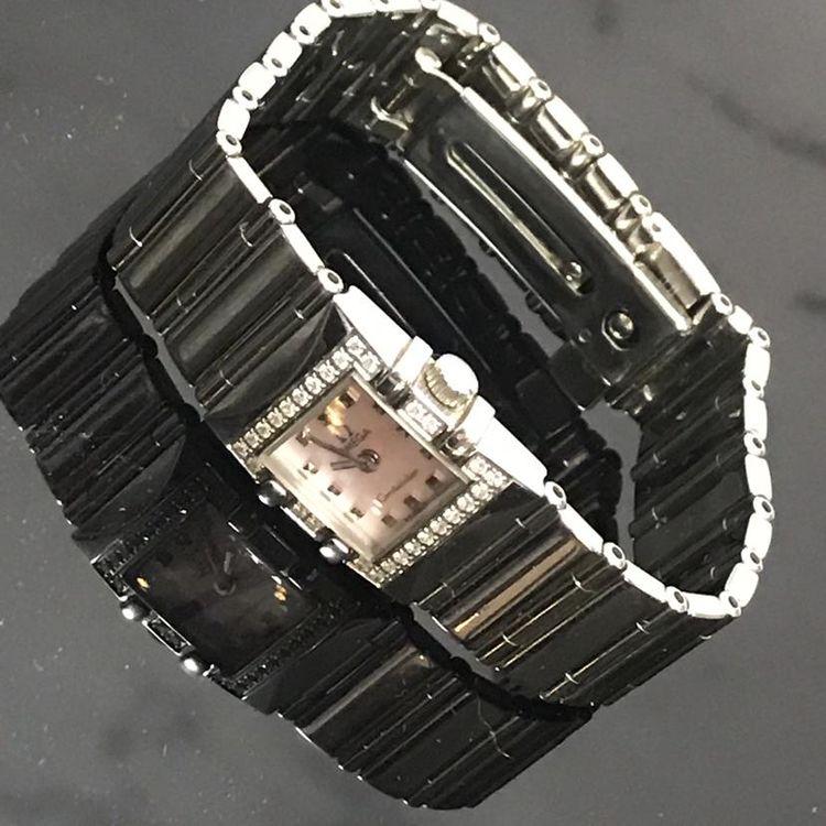 OMEGA 欧米茄星座系列1537.74.00女士石英腕表