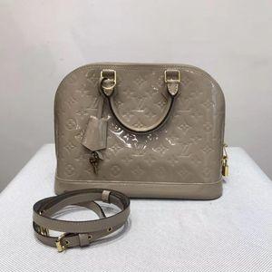 Louis Vuitton 路易·威登裸色漆皮手提单肩包