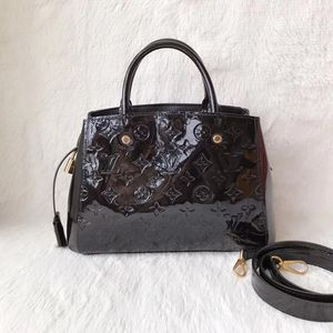 Louis Vuitton 路易·威登黑色漆皮单肩手提包