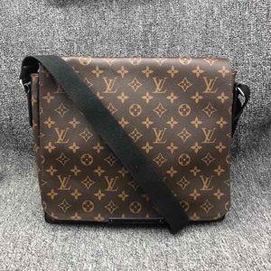 Louis Vuitton 路易·威登公文包