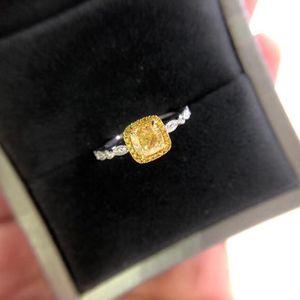 钻石  GIA一克拉彩黄钻石戒指