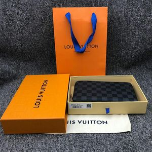 Louis Vuitton 路易·威登灰棋盘全开手拿包