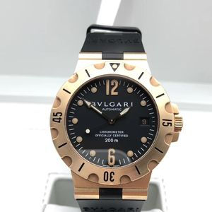 BVLGARI 宝格丽18k黄金男士运动款腕表