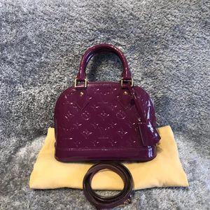 Louis Vuitton 路易·威登印度粉漆皮alma bb贝壳包手提包