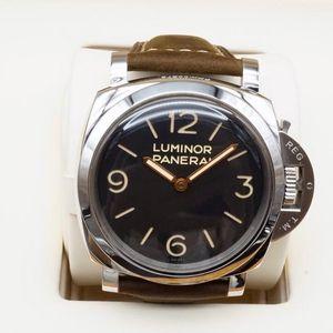 Panerai 沛纳海LUMINOR系列00372男士机械腕表