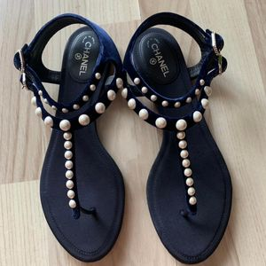 CHANEL 香奈儿丝绒珍珠凉鞋