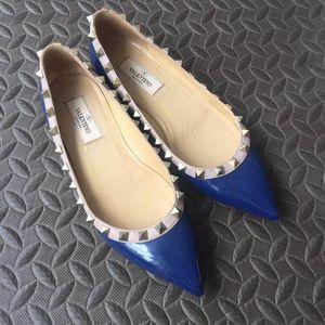 Valentino 华伦天奴铆钉平底鞋