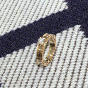 Cartier 卡地亚三色金TRINITY钻石戒指