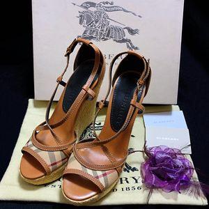 Burberry 博柏利经典格纹拼皮重工草编坡跟凉鞋