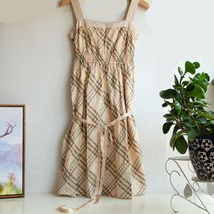 Burberry 博柏利蓝标YF07106飘逸格纹吊带连衣裙