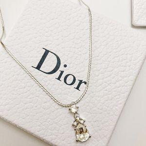 Dior 迪奥水滴锁骨链