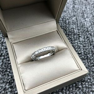 BVLGARI 宝格丽白金蛇骨戒指