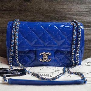 CHANEL 香奈儿蓝色漆皮链条包