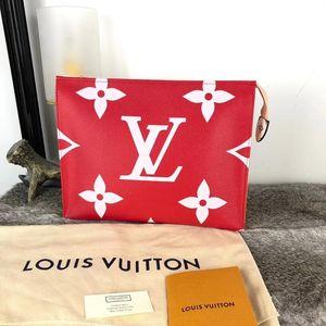 Louis Vuitton 路易·威登红粉撞色洗漱化妆包