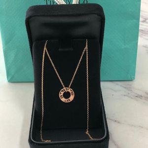 Tiffany & Co. 蒂芙尼altas系列18k玫瑰金罗马数字镶钻项链