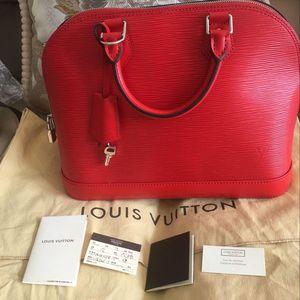 Louis Vuitton 路易·威登罂粟红贝壳包