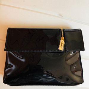 Yves Saint Laurent 伊夫·圣罗兰漆皮黑色翻盖手拿包