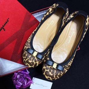Ferragamo 菲拉格慕限量款蝴蝶扣豹纹马毛蛋卷平底休闲鞋