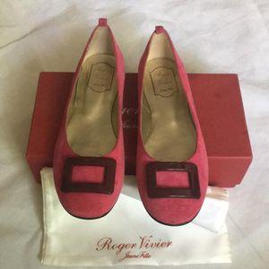 Roger Vivier 罗杰·维维亚女士平底鞋 35码