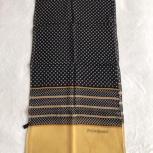 Yves Saint Laurent 圣罗兰丝巾