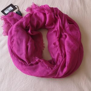 GUCCI 古驰logo暗纹围巾