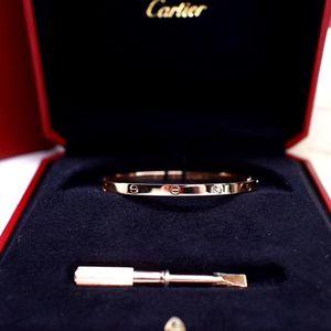 Cartier 卡地亚LOVE系列18k玫瑰金小号手镯