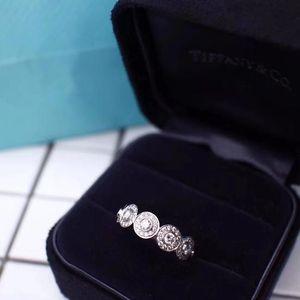 Tiffany & Co. 蒂芙尼circlet系列戒指