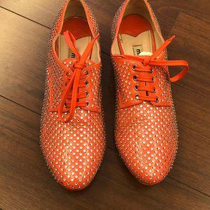 Miu Miu 缪缪橘红色全水钻小跟系带休闲鞋