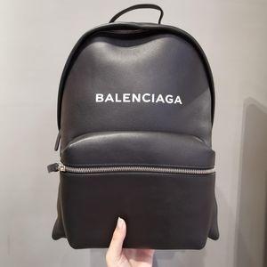 Balenciaga 巴黎世家双肩包