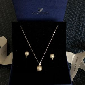 SWAROVSKI 施华洛世奇珍珠项链耳饰套装