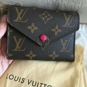 Louis Vuitton 路易·威登经典老花三折钱包
