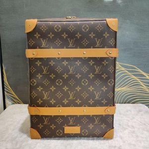 Louis Vuitton 路易·威登soft trunk双肩包