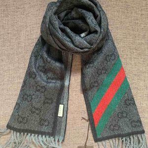 GUCCI 古驰黑色绿红绿条纹围巾