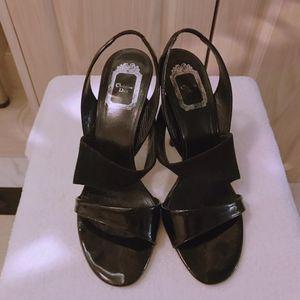 Dior 迪奥黑色漆皮高跟鞋