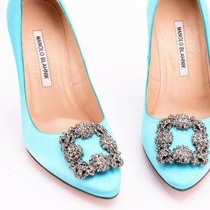 Manolo Blahnik 马诺洛蓝色丝绸水晶高跟鞋