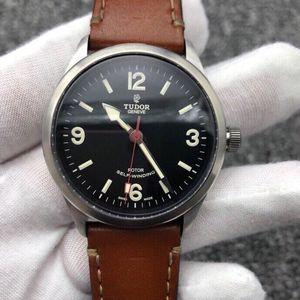 Tudor 帝舵男士小提花自动机械腕表