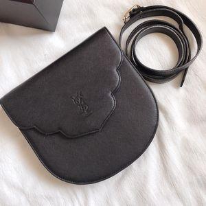 Yves Saint Laurent 伊夫·圣罗兰黑色十字纹斜挎包