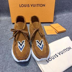 Louis Vuitton 路易·威登反绒皮男士刺绣款休闲鞋