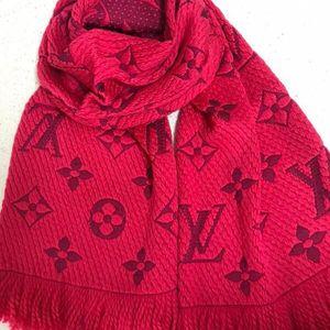 Louis Vuitton 路易·威登草莓红红色羊毛围巾