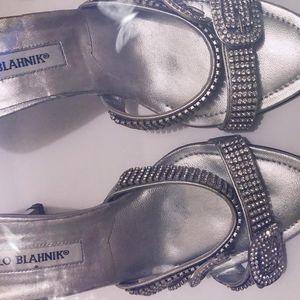 Manolo Blahnik 马诺洛闪钻凉鞋