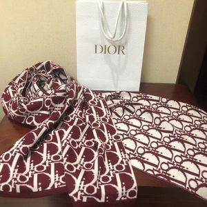 Dior 迪奥枣红色大logo100%羊毛 围巾