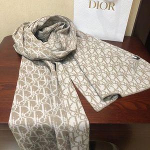 Dior 迪奥棕色100%羊毛围巾