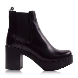 PRADA 普拉达女士黑色牛皮高跟短靴