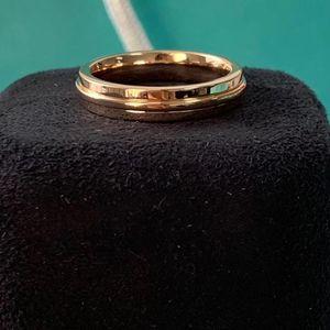 Tiffany & Co. 蒂芙尼t two系列18k玫瑰金t宽版戒指
