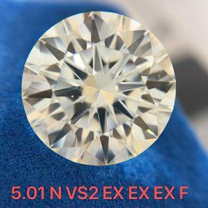 钻石  5克拉钻石