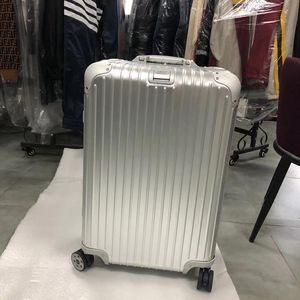 RIMOWA 日默瓦26行李箱