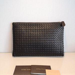 Bottega Veneta 葆蝶家新款黑色大号手包