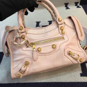 Balenciaga 巴黎世家粉色迷你小号金扣机车单肩包